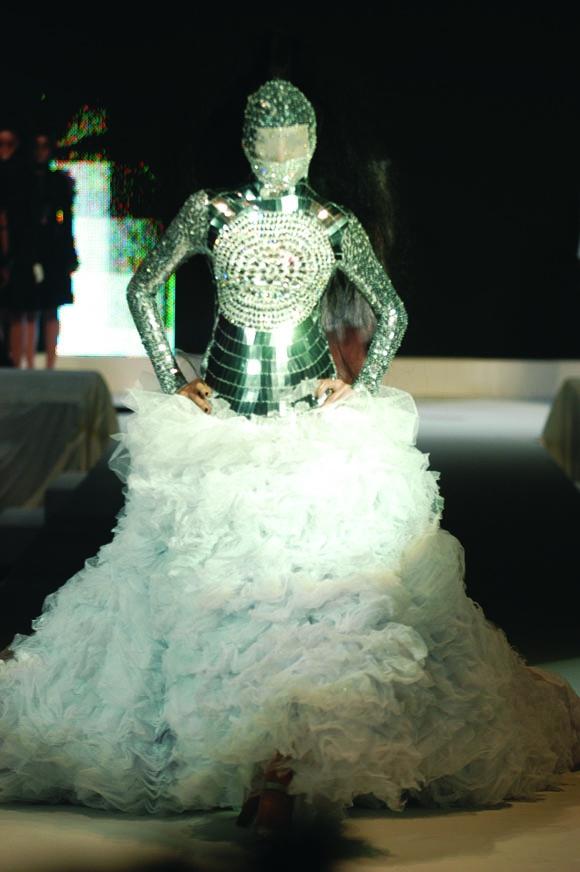 Look Back: Bazaar Fashion Concerto 2004
