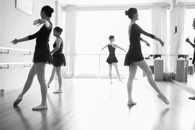 Berolahraga dengan Menari Balet di Usia Dewasa