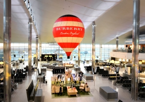 Instalasi Balon Udara Burberry