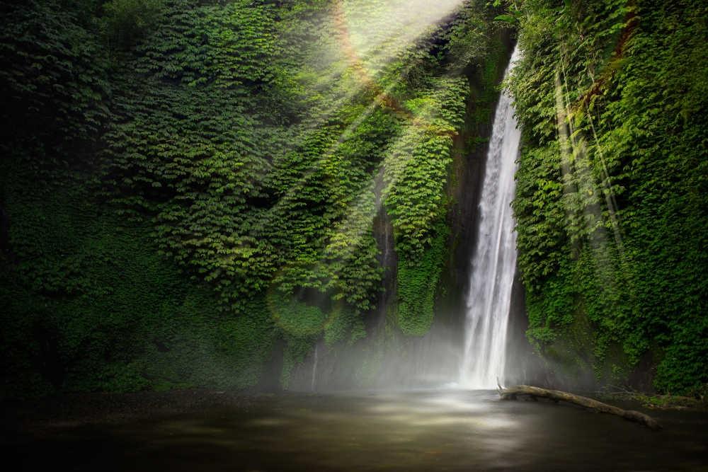 Rekomendasi Air Terjun Terindah di Indonesia