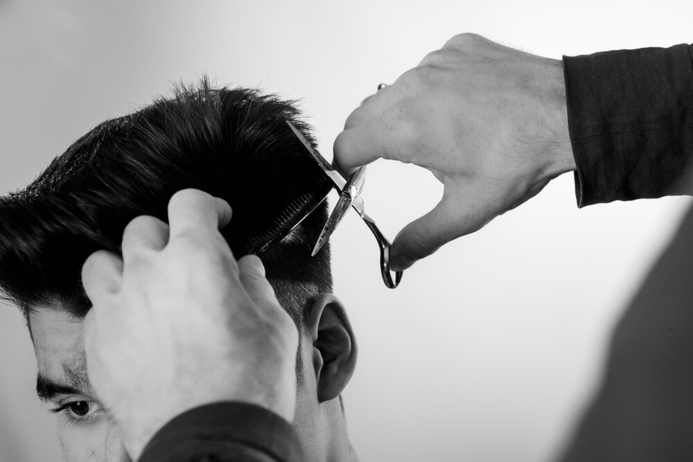 Model Rambut Pria dengan Teknik Fade Haircut