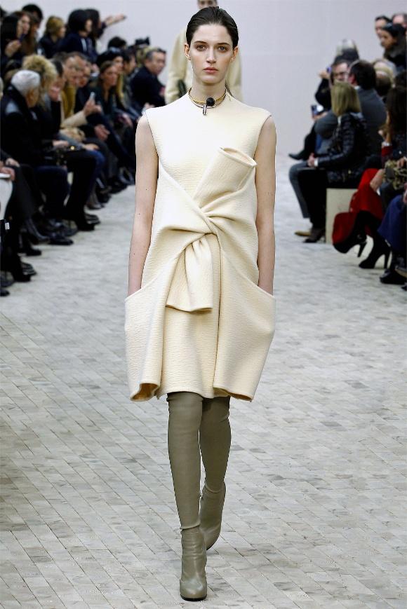 Inspirasi Busana dari Paris Fashion Week