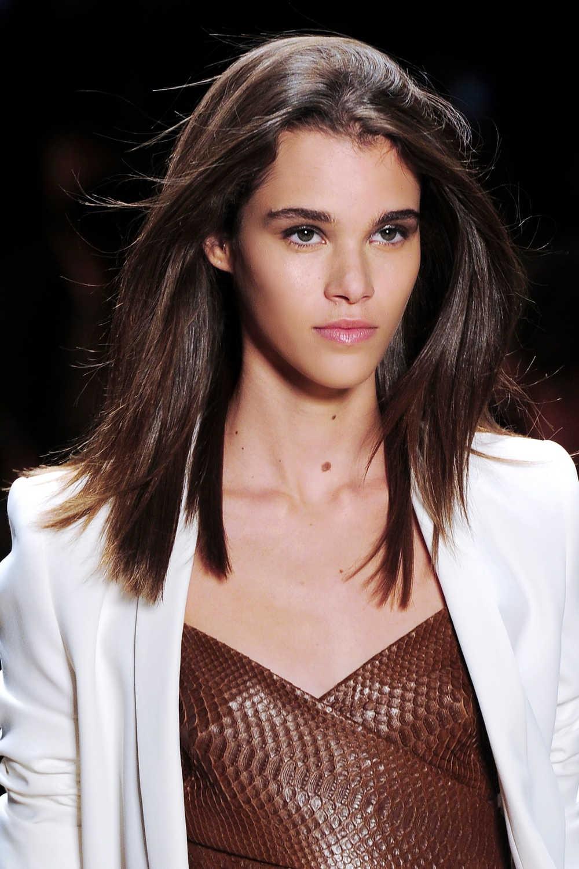 8 Cara Mengatasi Rambut Frizzy