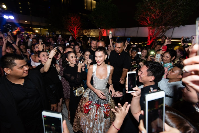 Kehadiran Supermodel Bella Hadid di Pesta TAG Heuer