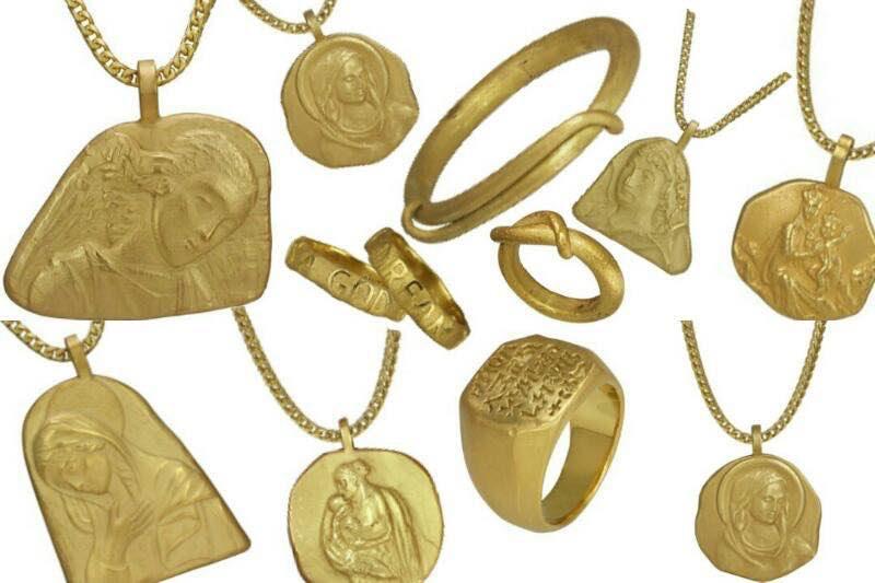 Kanye West Luncurkan Koleksi Perhiasan Yeezy