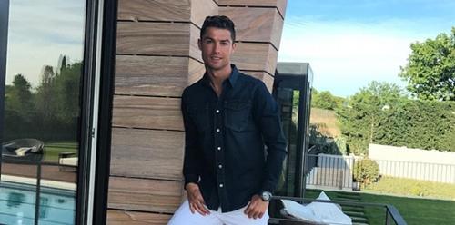 7 Pemain Sepak Bola Termodis yang Menjadi Fashion Icon