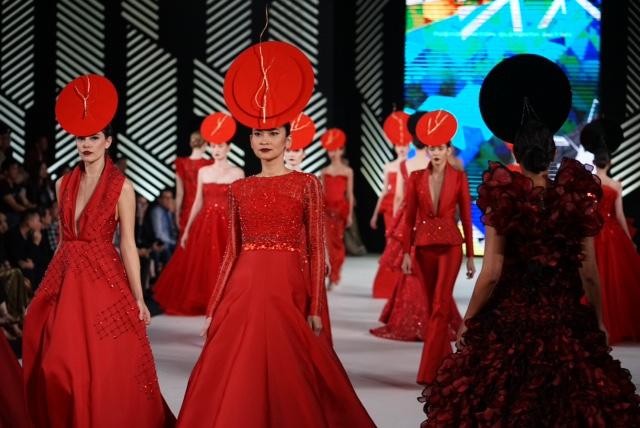 Persembahan Tiga Desainer Tanah Air di Fashion Nation