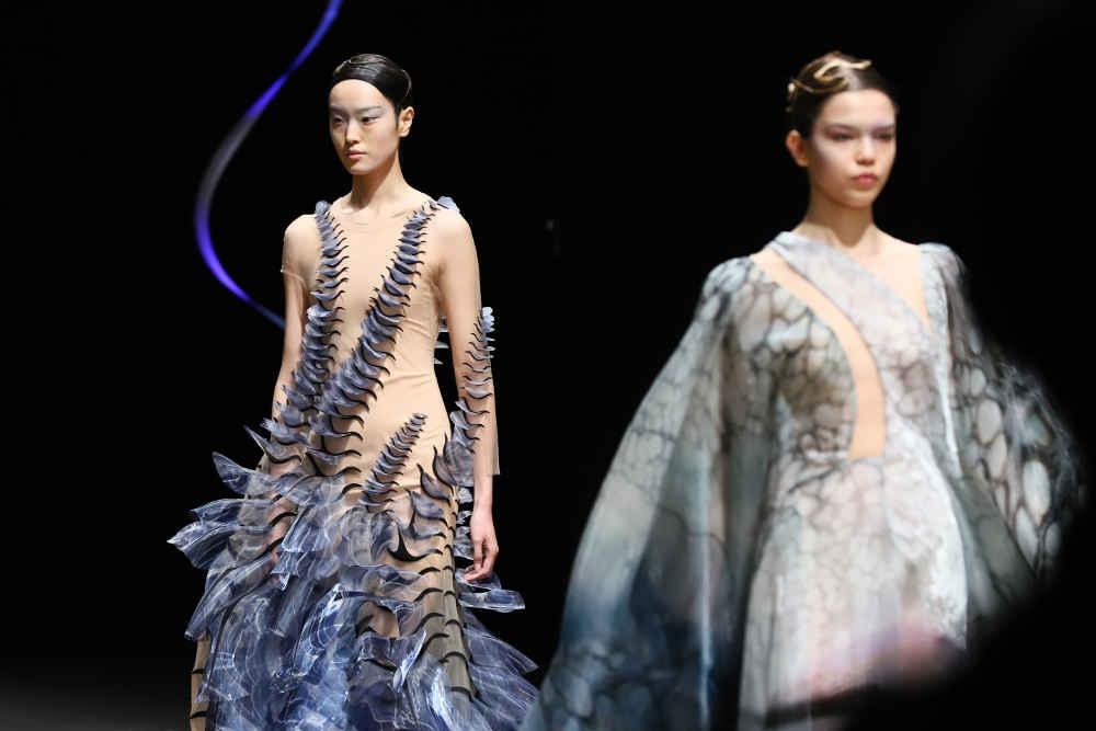 Sensory Seas: Koleksi Haute Couture Terbaru Iris van Herpen
