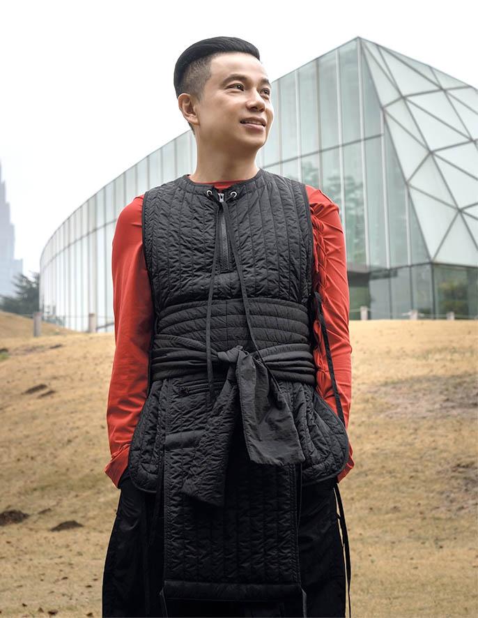 Mengenal Desainer Indonesia: Adrian Gan