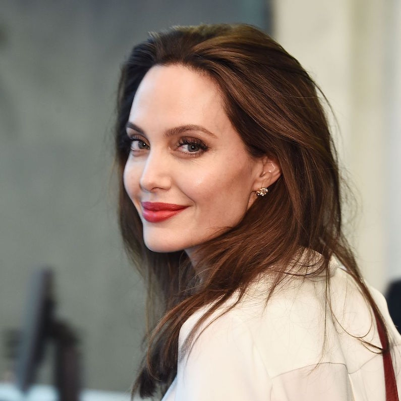 Angelina Jolie Bisa Jadi Membintangi Film Superhero Marvel?