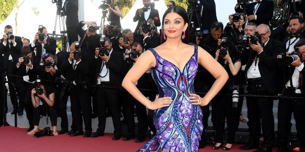Gaun Aishwarya Rai di Cannes Dibuat Selama 3000 Jam