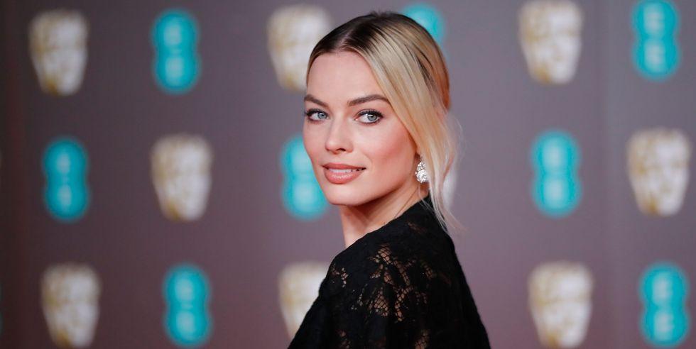 Berikut Gaun Terbaik di Karpet Merah BAFTA Awards 2020