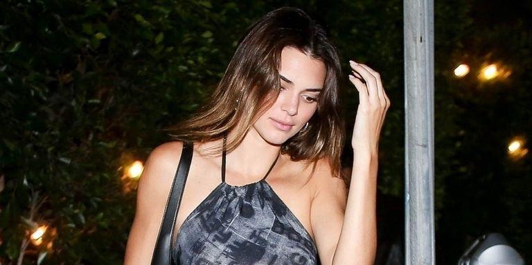 Kendall Jenner Tampak Menawan dengan Dress Kasual yang Ketat