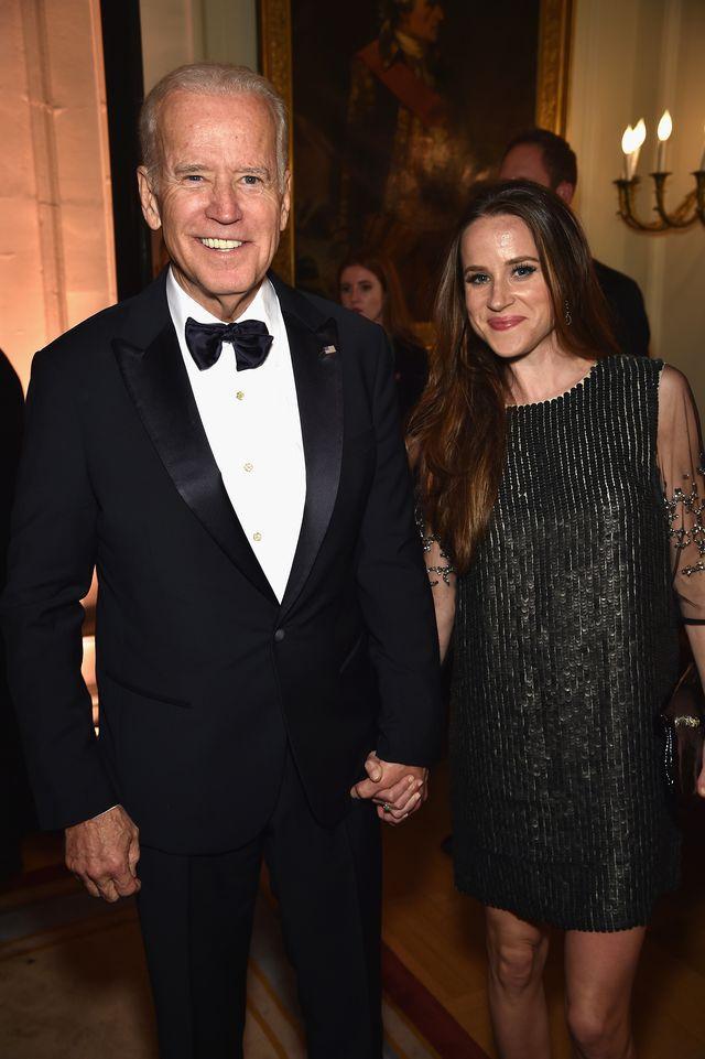 Joe dan Ashley saat menghadiri acara Bloomberg & Vanity Fair pada tahun 2015.