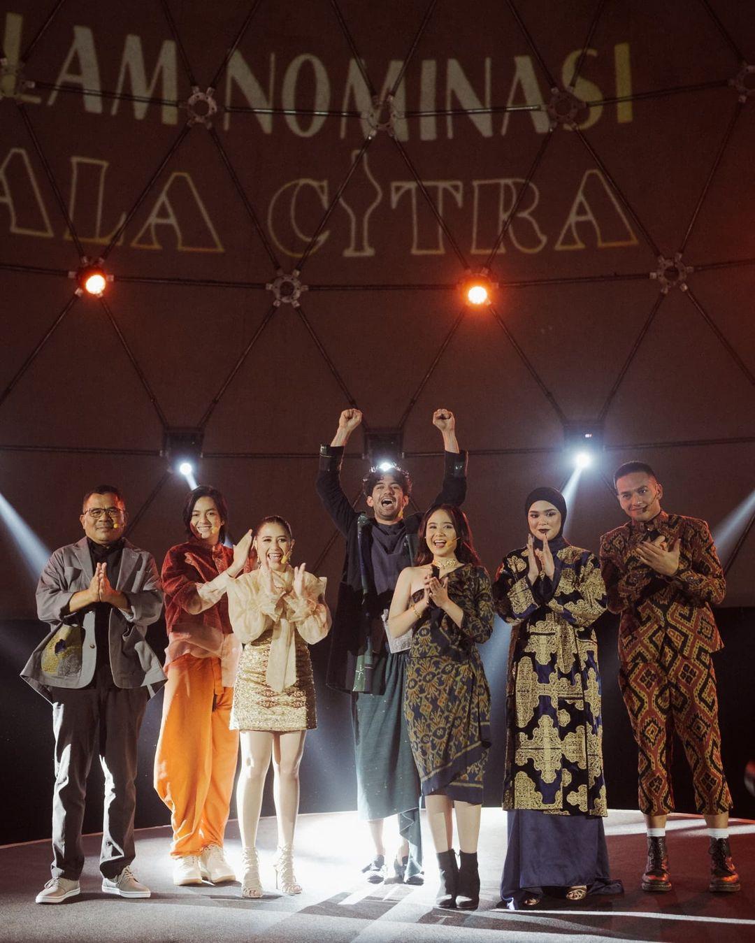 Ini Tampilan Fashion dari Malam Nominasi Piala Citra Festival Film Indonesia 2021 yang Didominasi Karya Desainer Indonesia