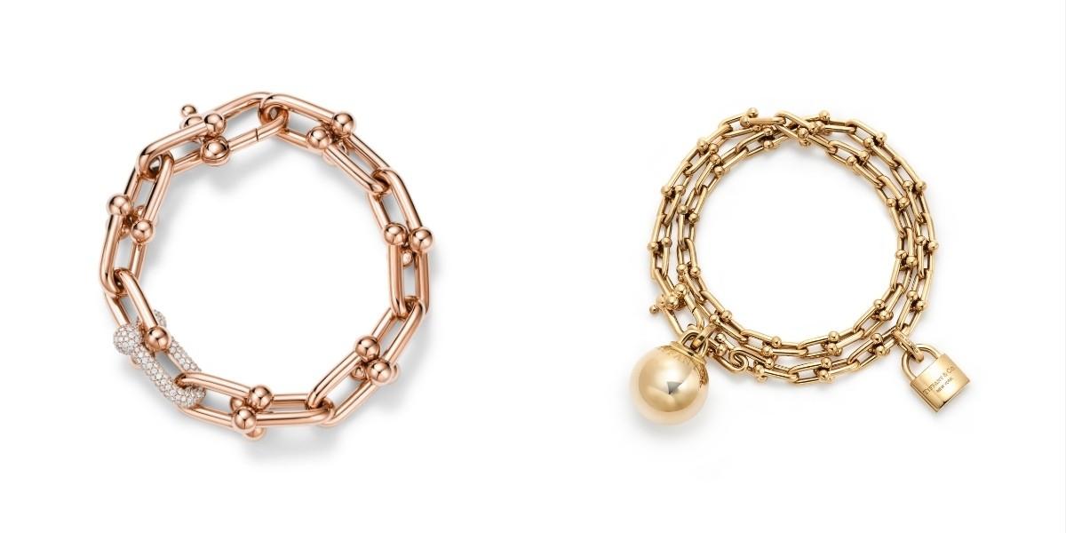 Dari kiri ke kanan: Gelang link rose gold 18 karat dengan berlian (ukuran medium) dan gelang wrap emas 18 karat (ukuran medium) / Foto: Courtesy of Tiffany & Co.