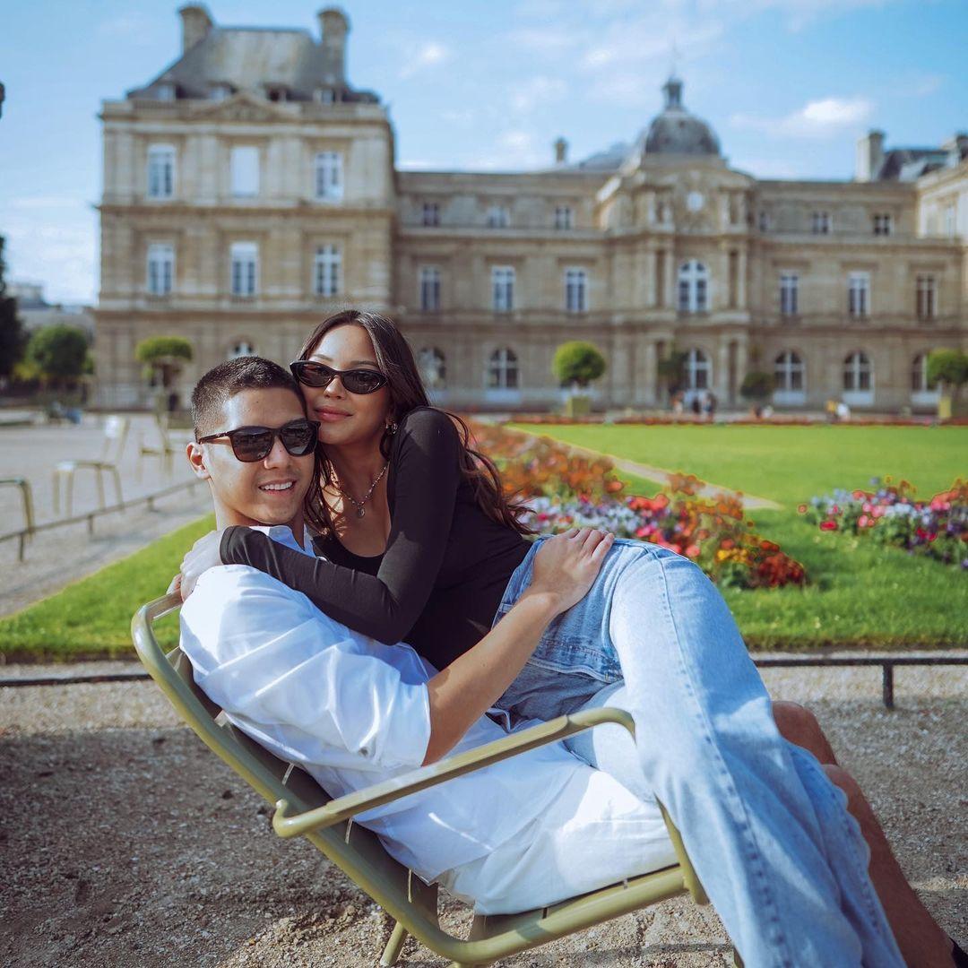 Lihat OOTD Alyssa Daguise dan Al Ghazali yang Akhirnya Bertemu Langsung di Paris