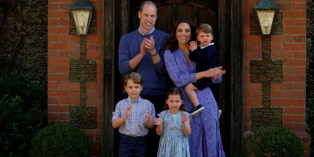 Kate Middleton dan Pangeran William Membawa Anak-anak Mereka Mengunjungi Ratu Elizabeth II di Istana Balmoral
