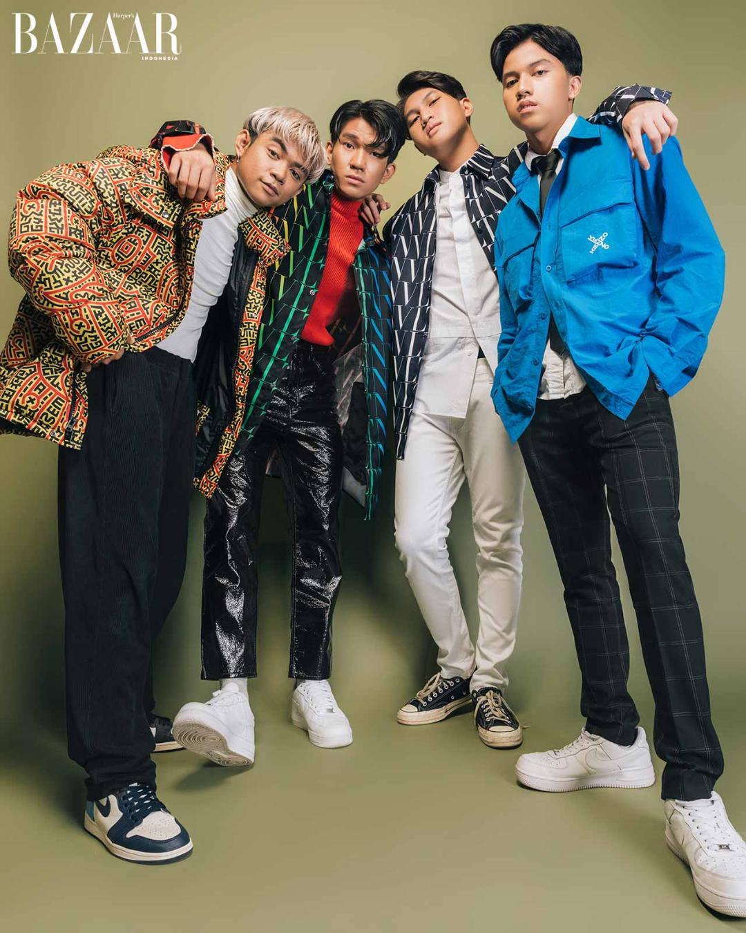 (From left to right) Gilang mengenakan jaket Coach, Ricky dan Fiki mengenakan kemeja Valentino, Fajri mengenakan jaket Kenzo.