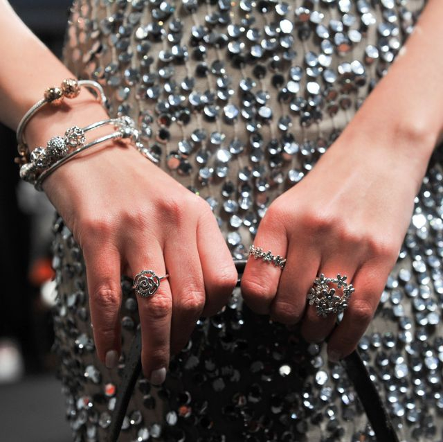 Label Perhiasan Pandora Putuskan Stop Menjual Berlian yang Diambil dari Alam