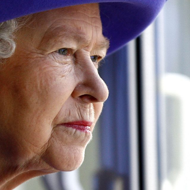 Ratu Elizabeth II Telah Resmi Kembali Bertugas 4 Hari Setelah Pangeran Philip Meninggal
