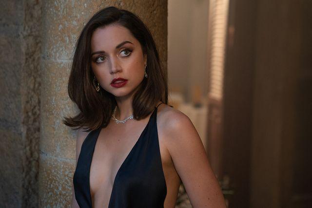 Ana de Armas sebagai Paloma di No Time to Die, film James Bond ke-25
