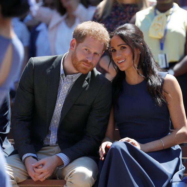 """Pangeran Harry & Meghan Markle Bantah Rumor Bahwa Mereka Telah """"Pensiun"""" dari Media Sosial"""