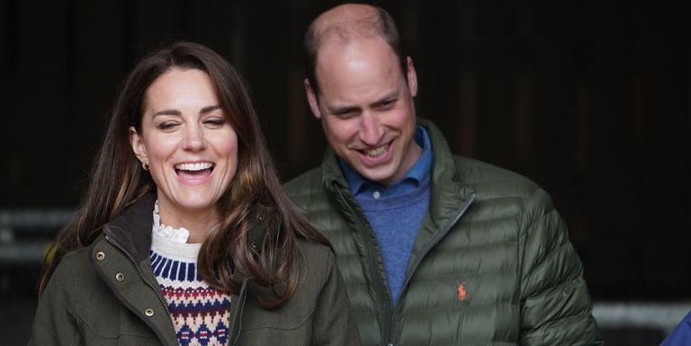 Kate Middleton Tampil Kasual Saat Mengunjungi Ladang Pertanian dengan Suaminya