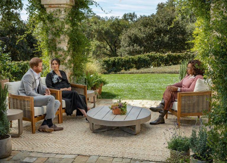 """Tampilan Pertama dari Wawancara Oprah bersama Pangeran Harry dan Duchess Meghan: """"Itu Luar Biasa Sulit"""""""