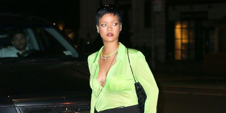 Lagi, Rihanna Pamerkan Gaya Busana Eksentrik dengan Pemilihan Ansambel Berwarna Hijau Neon