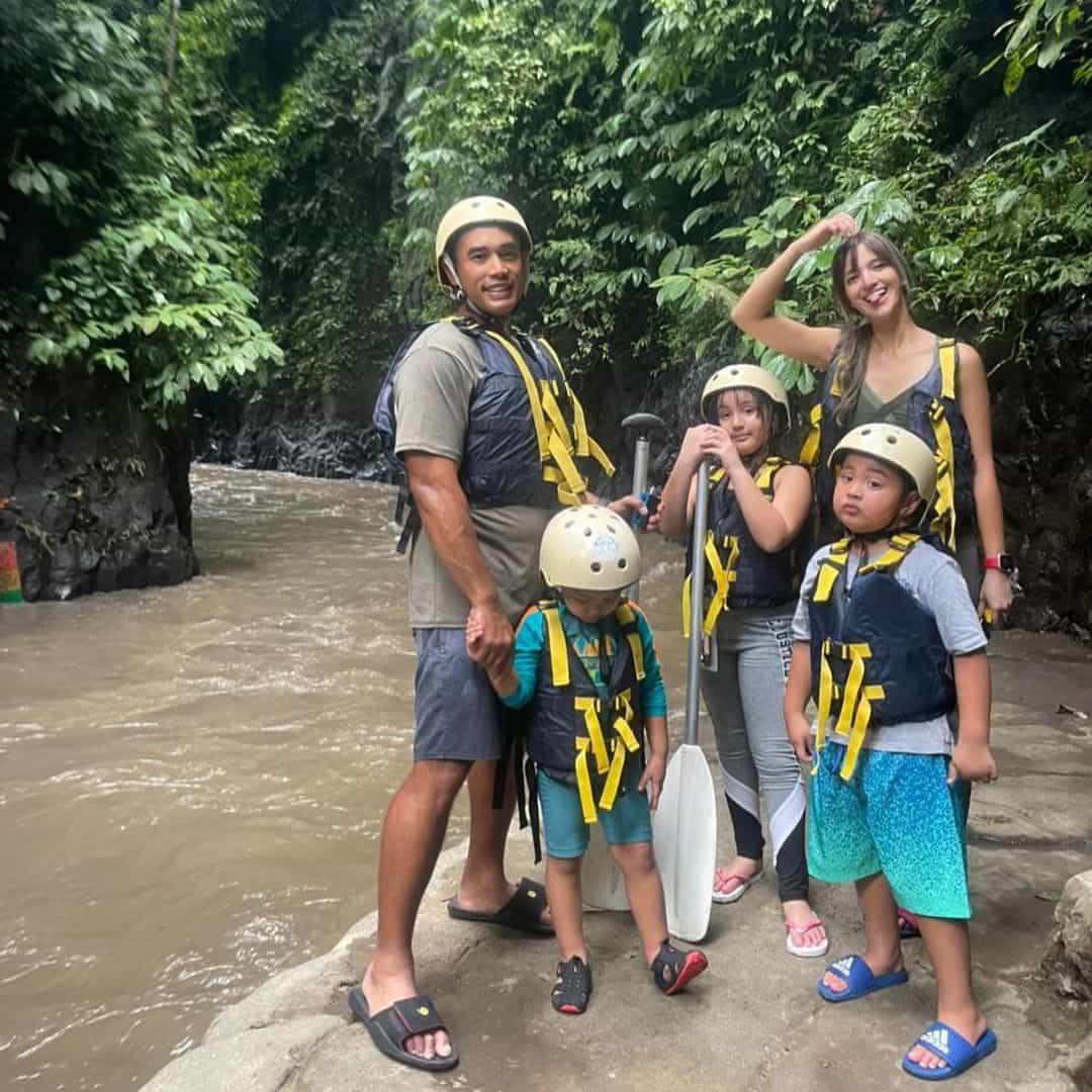 Tengok Keseruan Nia Ramadhani dan Keluarga Saat Aktivitas Rafting dan ATV Ride di Bali