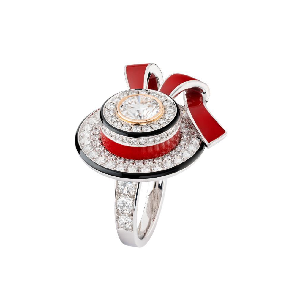 RUBAN CANOTIER RING / Courtesy of Chanel