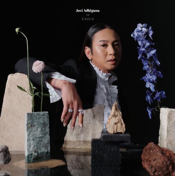Croix Merilis Koleksi Perhiasan Bersama Jovi Adhiguna untuk Gaya Glamorama di Keseharian