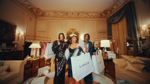 Rumah Mode Lanvin Mengajak Kita Semua untuk Optimis dan Tak Melupakan Gaya Hidup Glamor