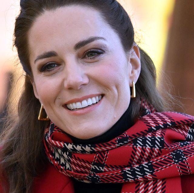 Inspirasi Gaya Rambut Sederhana Kate Middleton ini dapat Anda Ciptakan Sendiri di Rumah