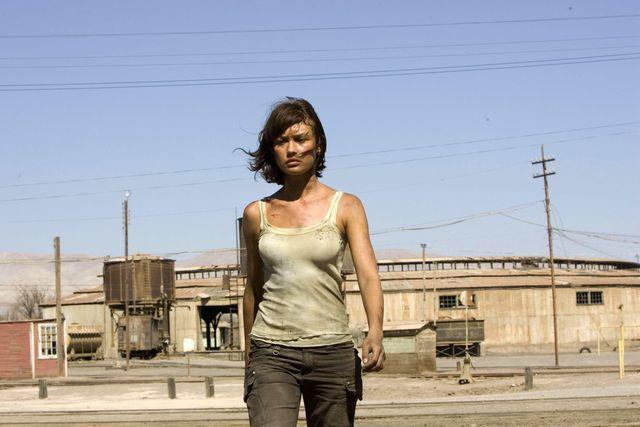 Olga Kurylenko sebagai Camille Montes di Quantum of Solace 2008