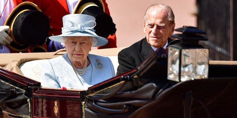 Ratu Elizabeth Bagikan Foto Langka Dirinya dan Pangeran Philip Lewat Instagram