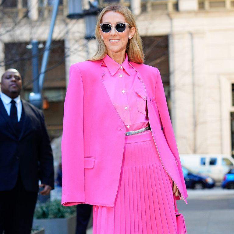 Celine Dion Pakai Rok & Celana Lebar Warna Pink di New York