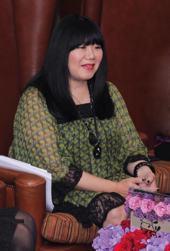 Kata Anna Sui Soal Riasan Wanita Indonesia