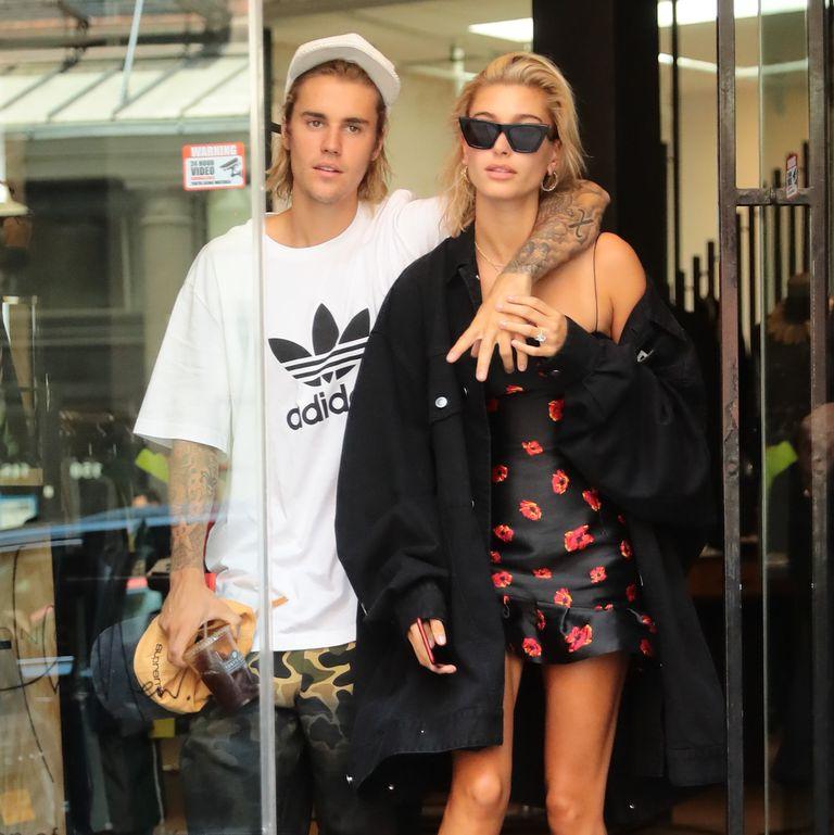 Hailey Bieber Merilis Lini Makeup Bernama Bieber Beauty