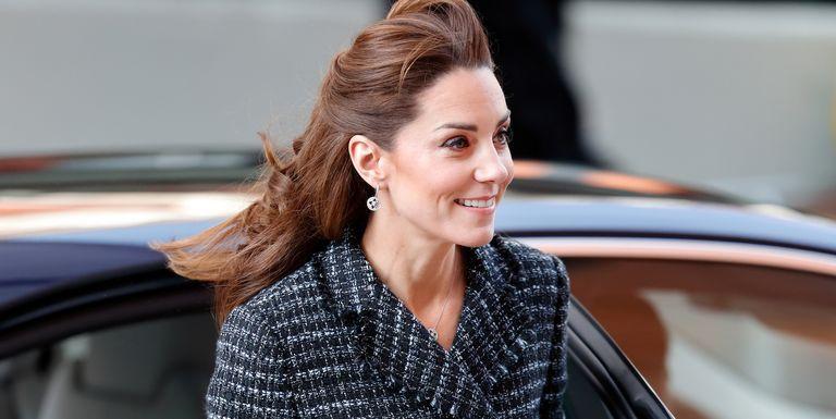 Kate Middleton Terlihat Tak Kenakan Cincin Tunangannya