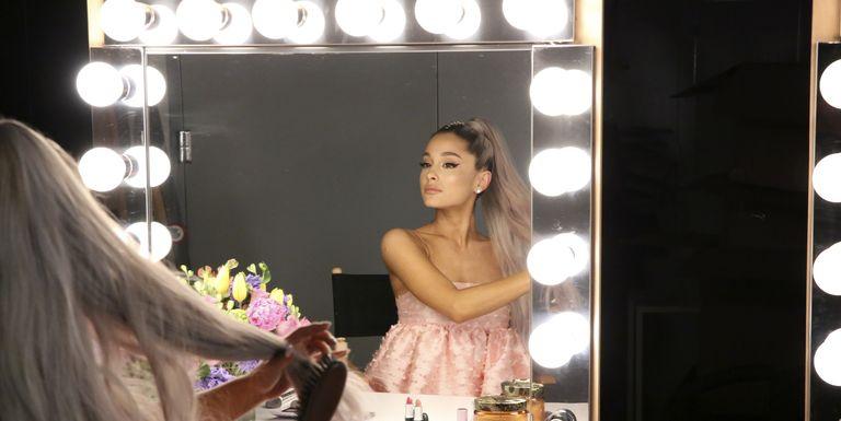 """Ariana Grande Menanggapi Video TikTok """"Kembarannya"""""""