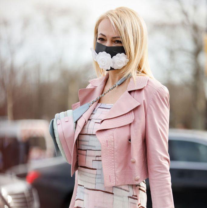 Dua Iklan Masker Beri Klaim Menyesatkan Tentang Virus Corona