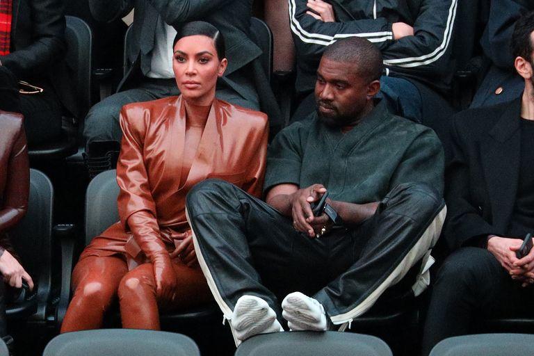 Kim Kardashian Khawatir & Super Stres dengan Perilaku kanye