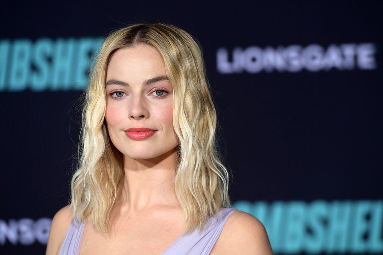 Margot Robbie Tampil Memukau di Penayangan Perdana Bombshell