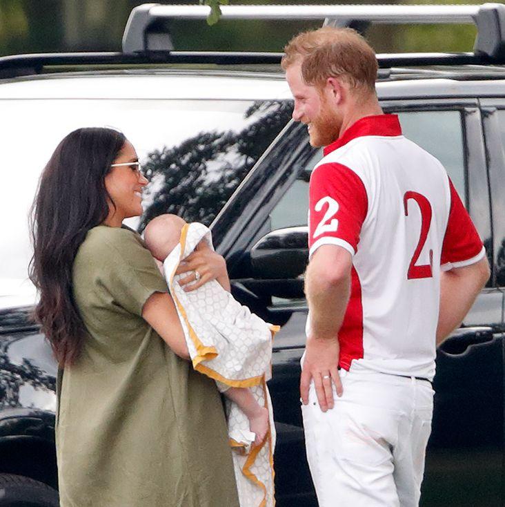 Pangeran Harry & Meghan Bersantap Siang di Restoran Lokal