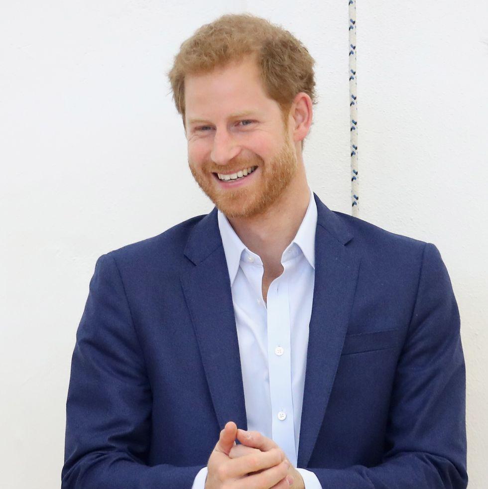 Pangeran Harry Terlihat Ke Supermarket Sendirian di Kanada