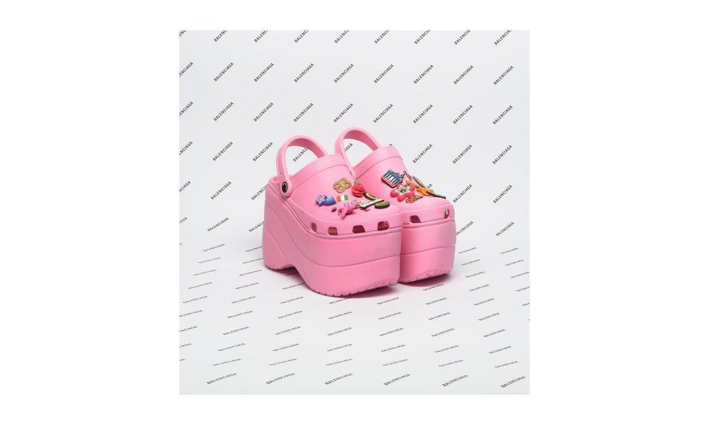 Unik, Kolaborasi Sandal dari Balenciaga dan Crocs
