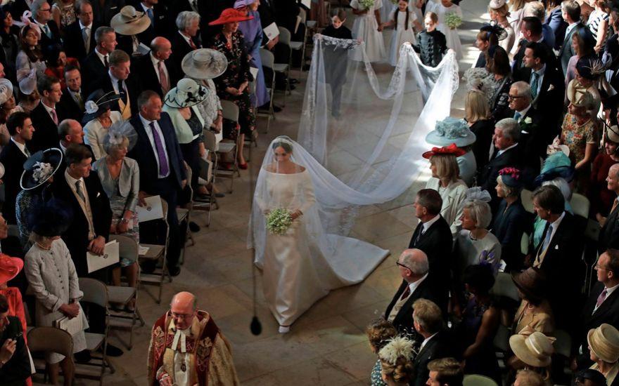 10 Fakta Menarik Seputar Gaun Pernikahan Meghan Markle