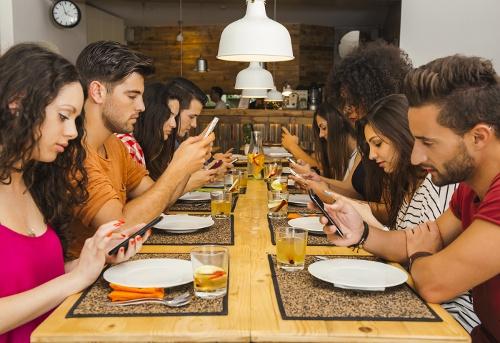 Etika Meja Makan yang Patut Anda Ketahui